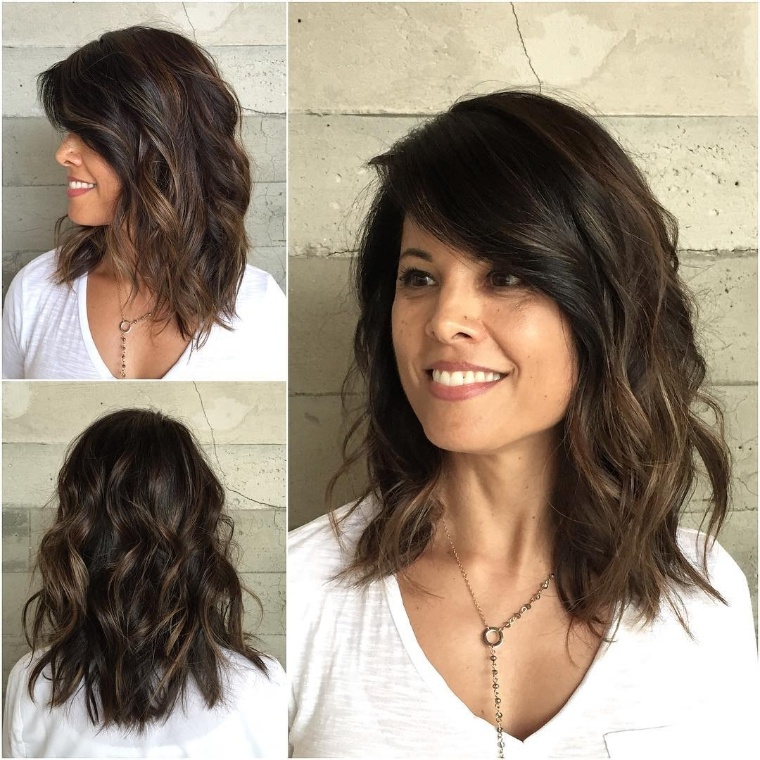 10 Latest Medium Wavy Hair Styles For Women: Shoulder Length with Haircuts For Very Wavy Hair