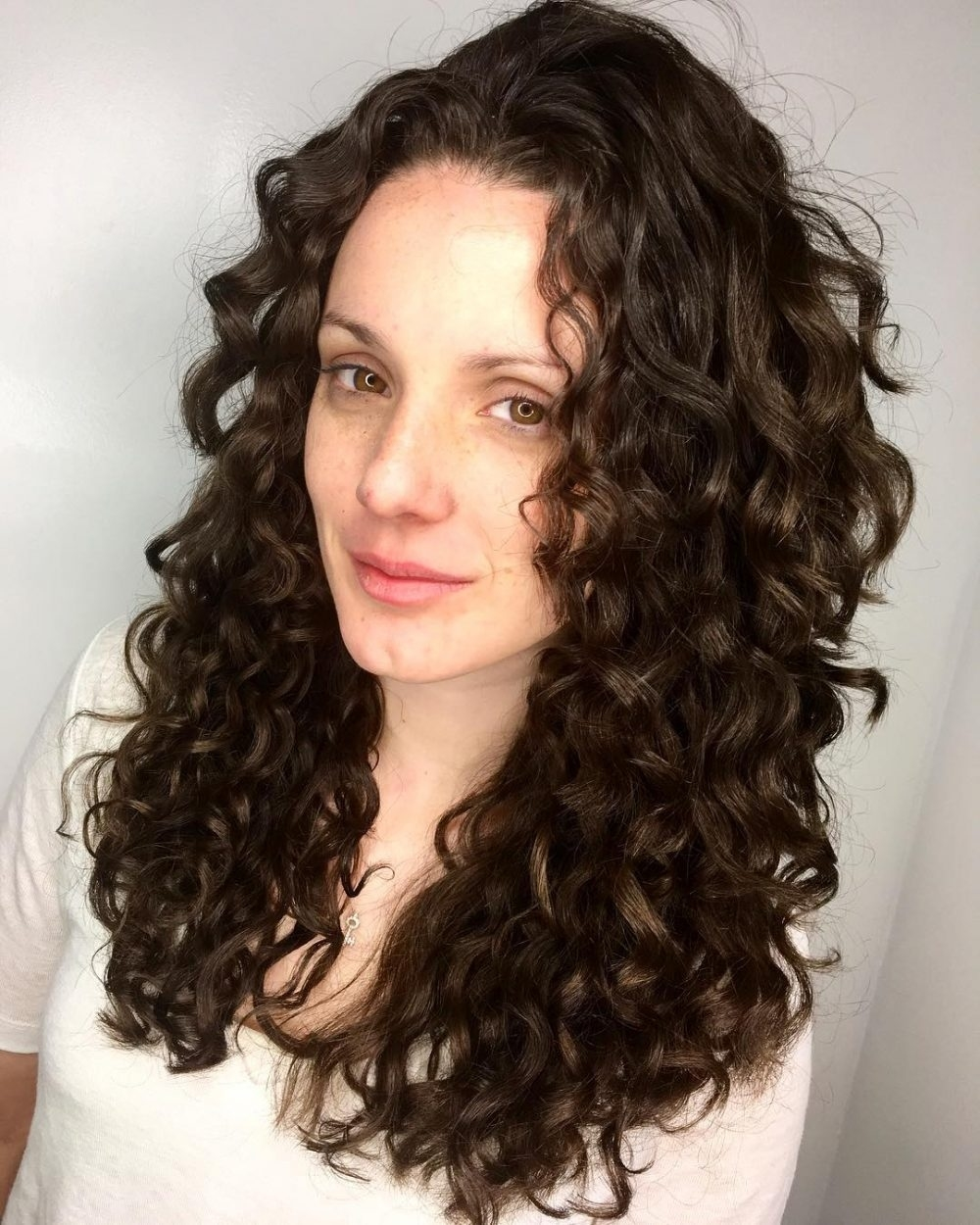 25 Cutest Long Curly Hairstyles For 2018 in Haircut For Curly Hair Long Face