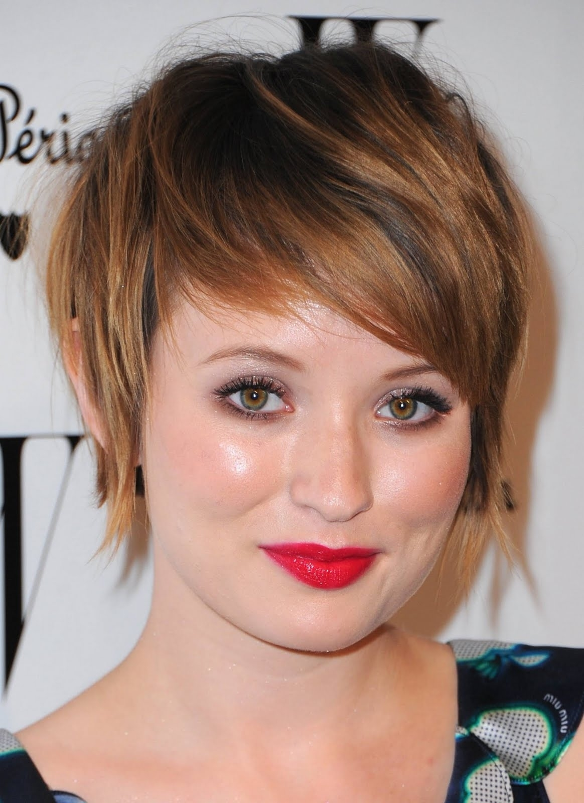 25 Hairstyles And Haircuts For Round Faces In 2016 - The Xerxes with Haircut For Round Face Long Neck