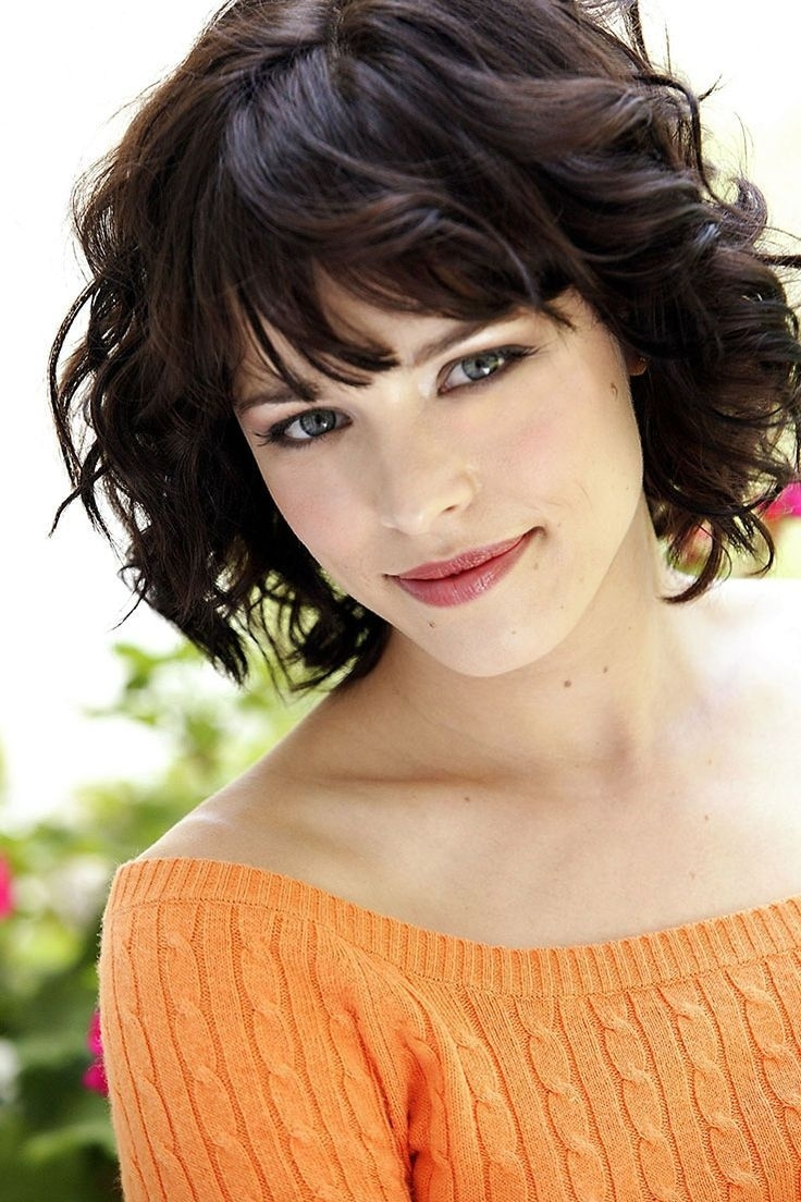 30 Cute Styles Featuring Curly Hair With Bangs | Beauty | Pinterest in Bangs For Wavy Hair Round Face