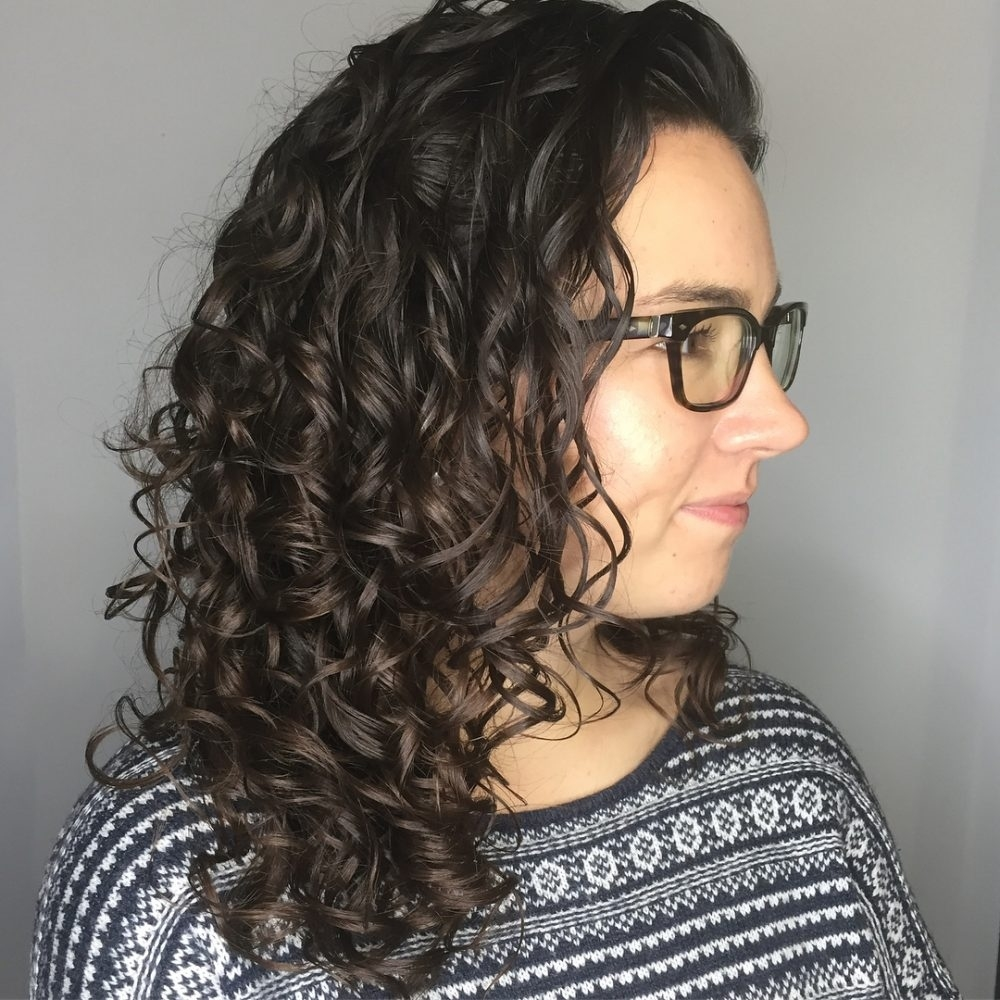 30 Gorgeous Medium Length Curly Hairstyles For Women In 2018 within Haircut For Curly Hair Medium Length
