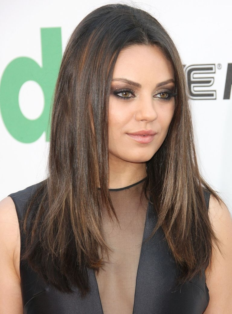 35 Flattering Hairstyles For Round Faces within Haircut For Round Face Long Straight Hair
