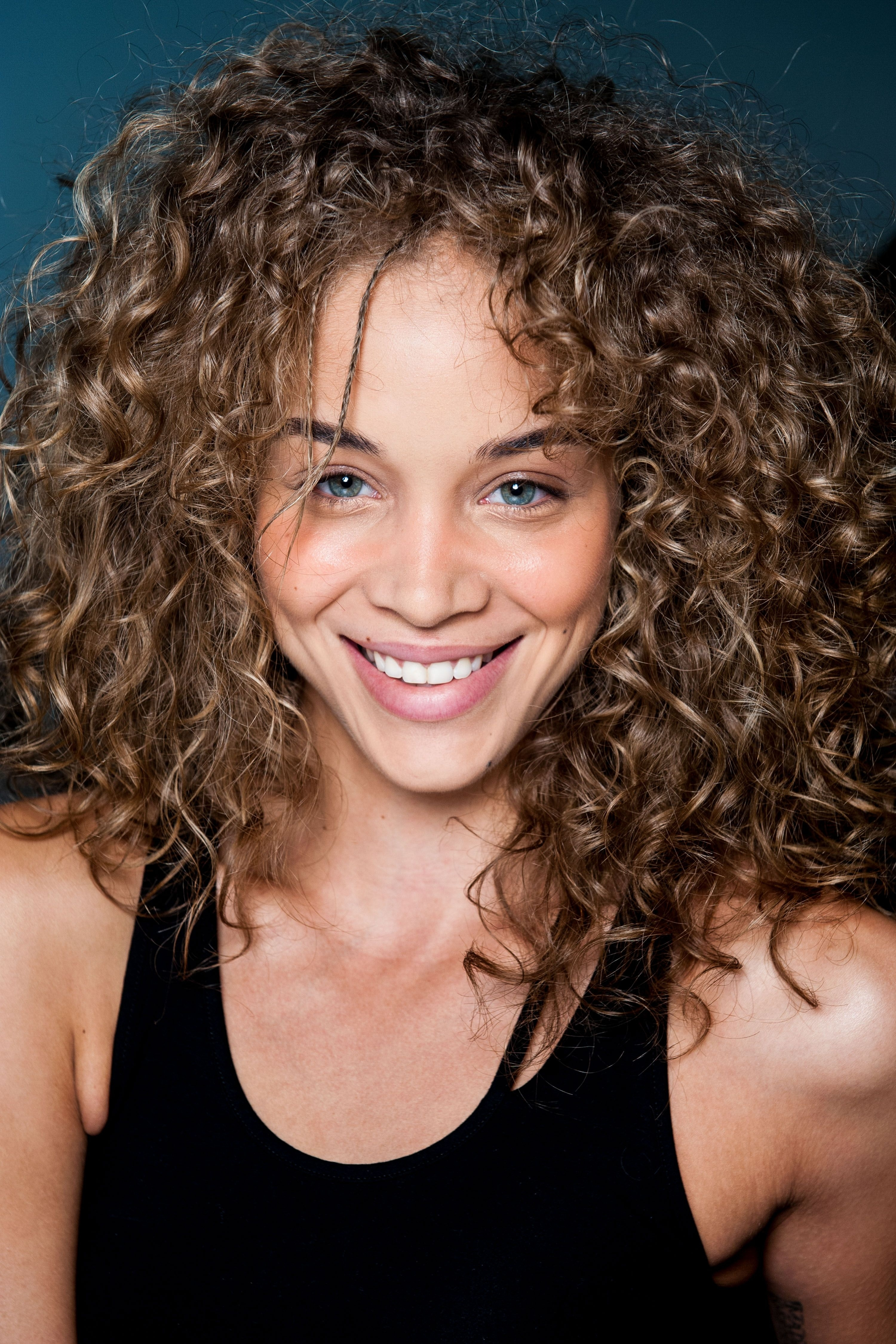 Cheveux-Frises-Phalbm24591138 (3000×4500) | $$$$A1 | Pinterest throughout Haircuts For Wavy Hair Heart Shaped Face