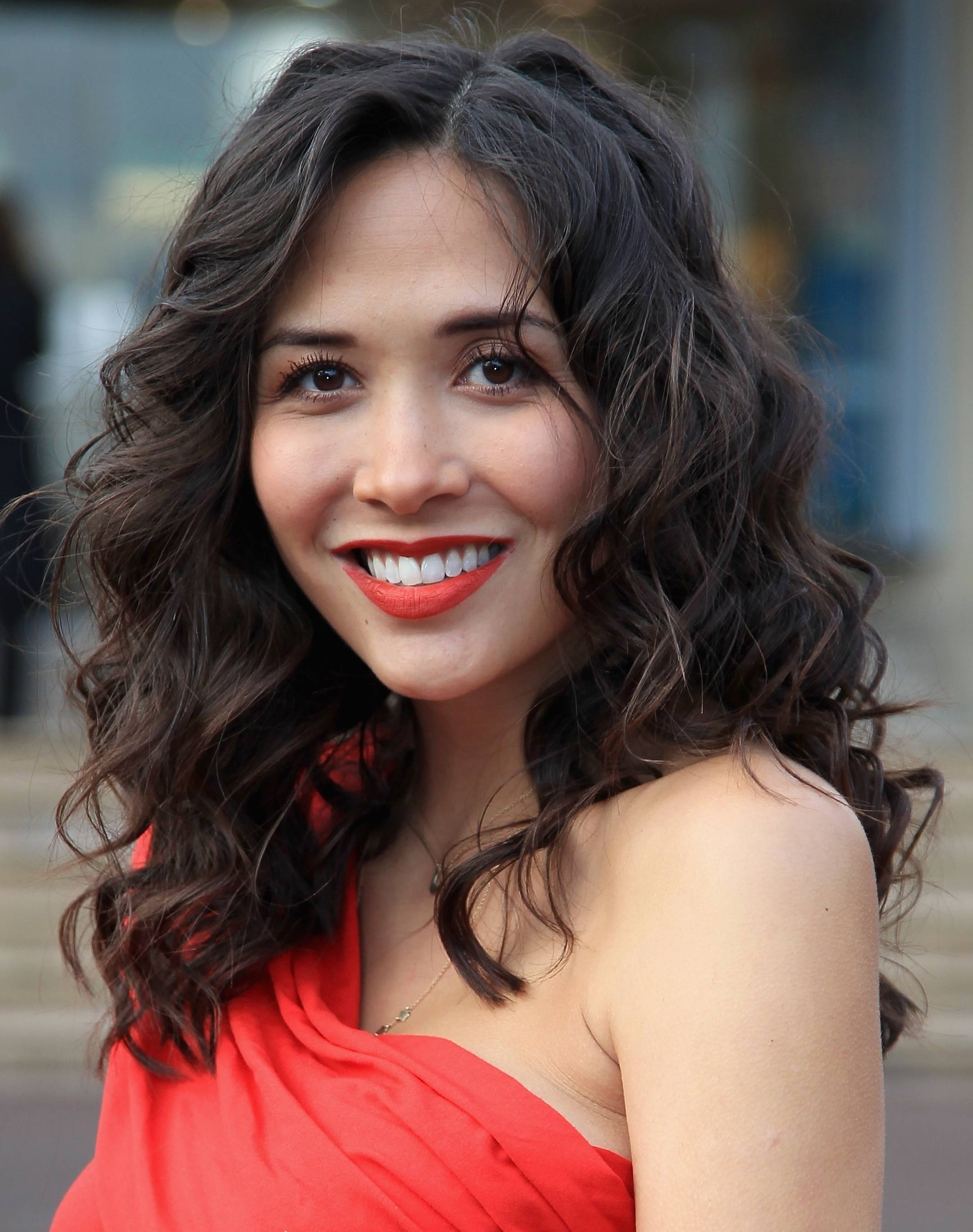 Haircut For Curly Hair Oval Face Indian Wavy Haircut
