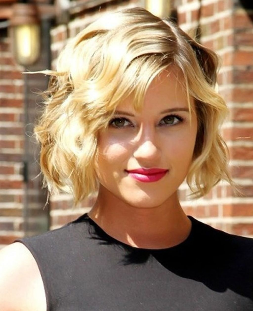 Short Blonde Wavy Hair - Color in Short Haircuts For Wavy Blonde Hair