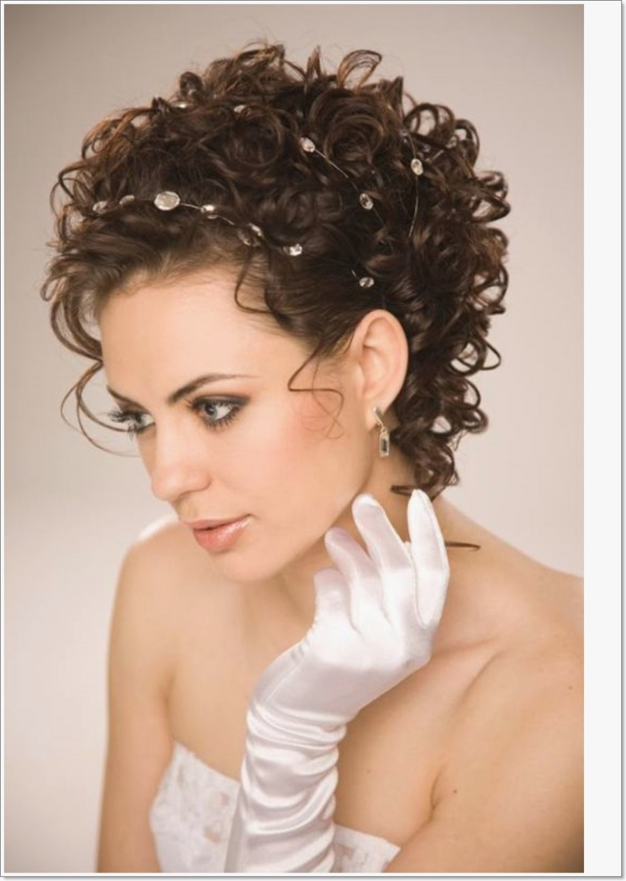 Short Haircuts For Oval Faces - Dhairstyles - Haircut For Oval Face with Short Haircuts For Wavy Hair And Oval Face