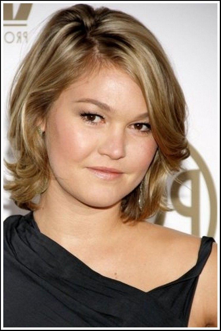 Haircut For Round Face Double Chin - Wavy Haircut