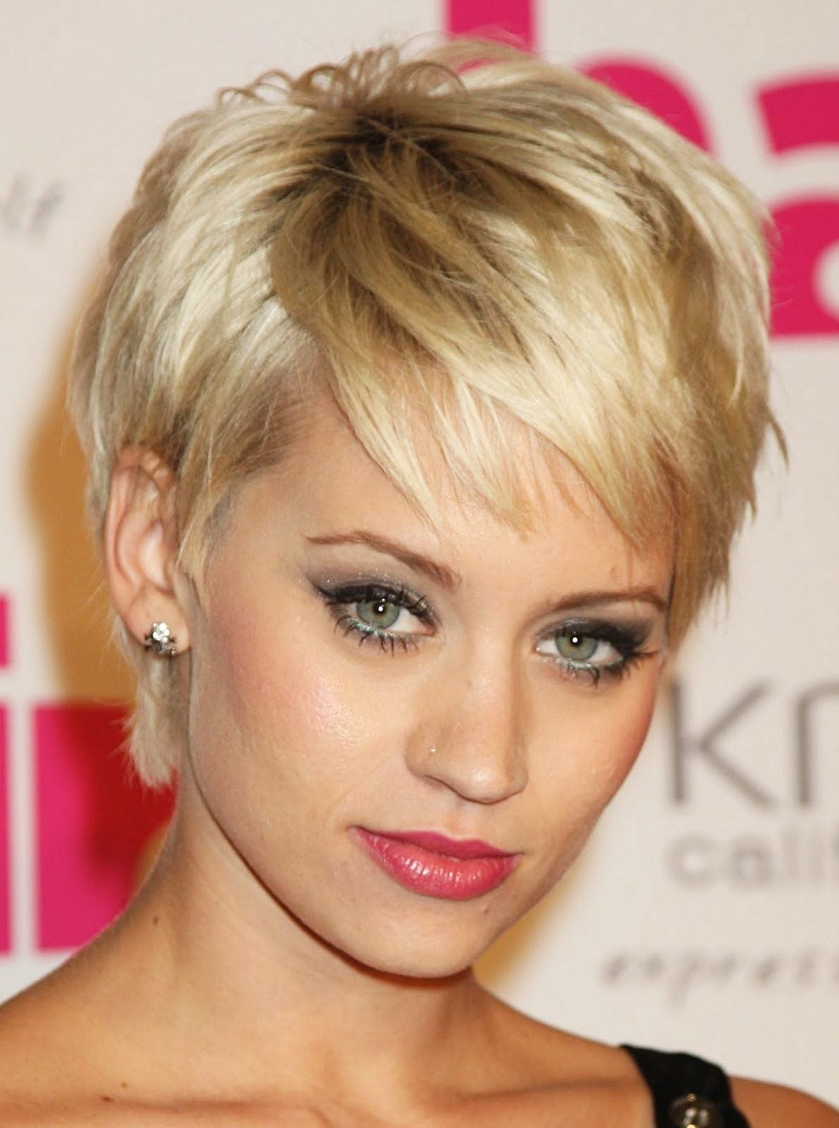 Short Hairstyles For Oval Faces | Hair Cut | Pinterest | Fine Hair in Short Haircut For Oval Face Thin Hair