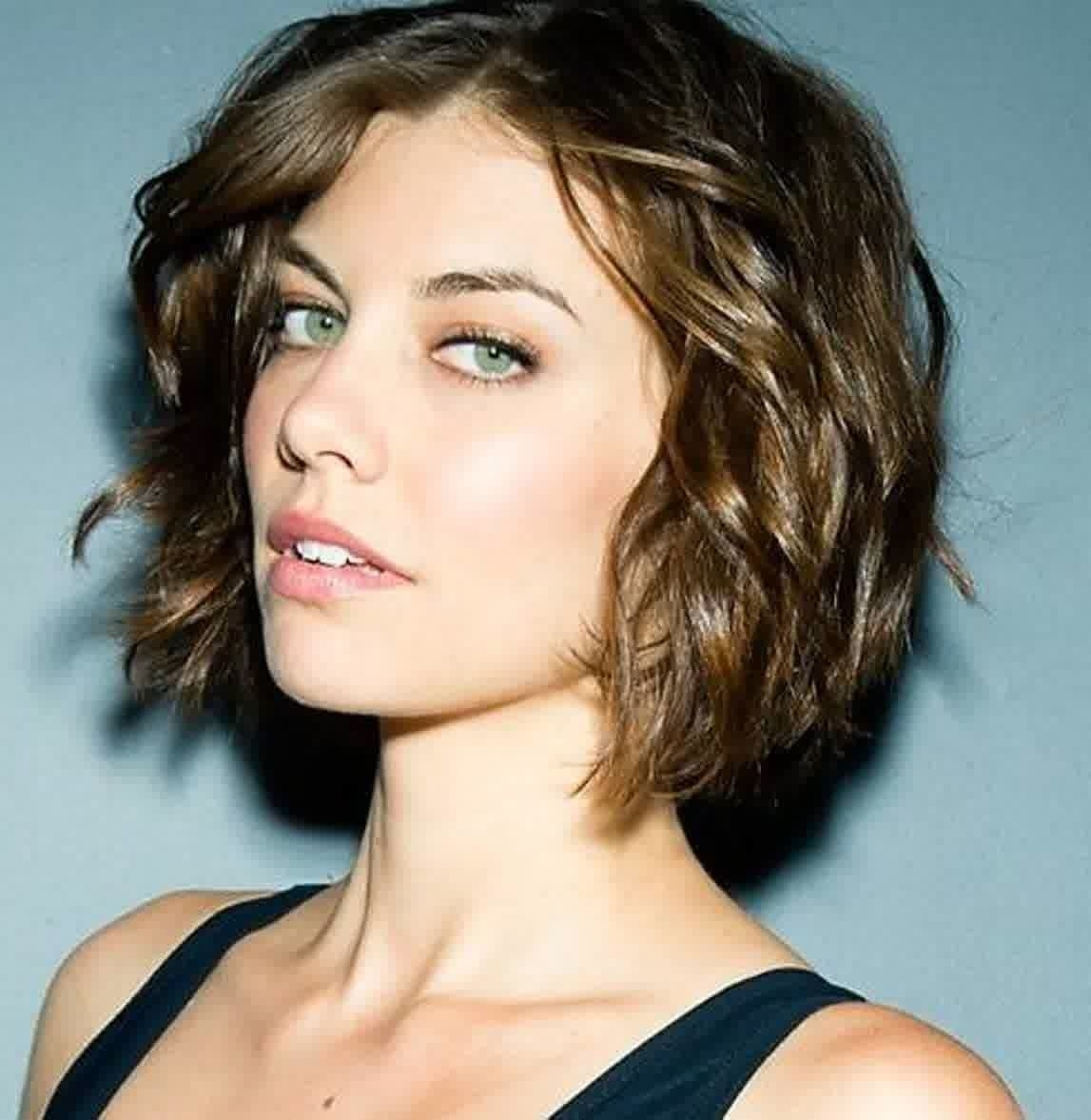 Short Hairstyles For Oval Faces With Wavy Hair   Pinterest   Wavy throughout Haircut For Wavy Hair Oval Face