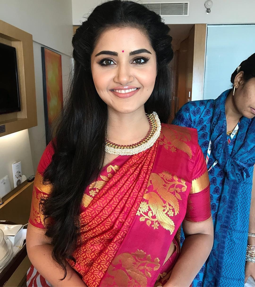 Top 10 South Indian Style Hairstyles For Round Faces • Keep Me Stylish pertaining to Hairstyle For Round Face On Saree