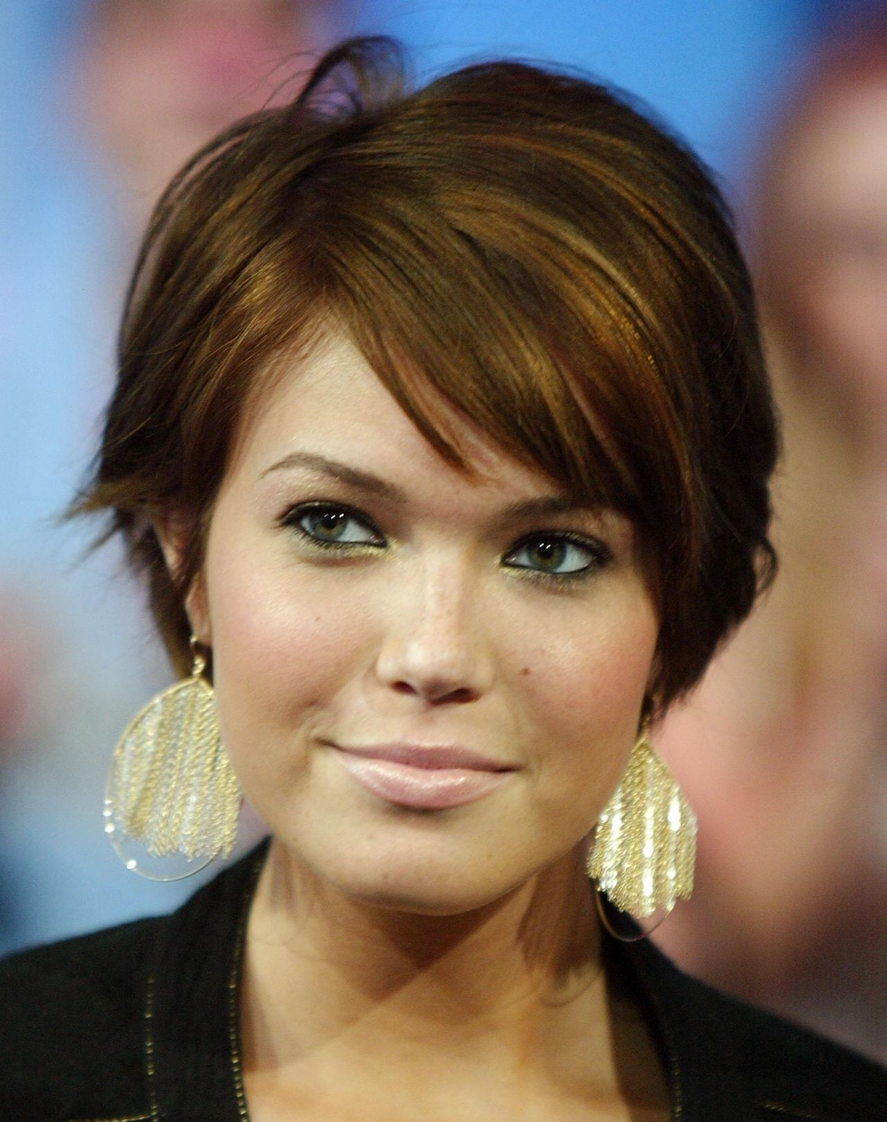 Women: 12 Best Hairstyles For Women Over 40 Haircuts For Fine Thin pertaining to Hairstyle For Round Face Over 40