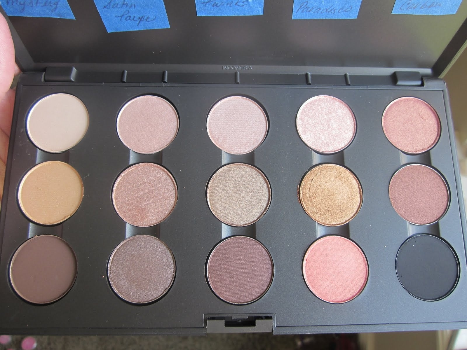 best mac eyeshadows for blue eyes fair skin - wavy haircut