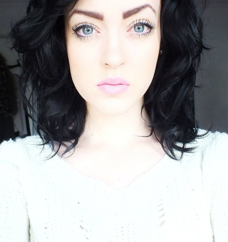 makeup for dark brown hair blue eyes pale skin - wavy haircut