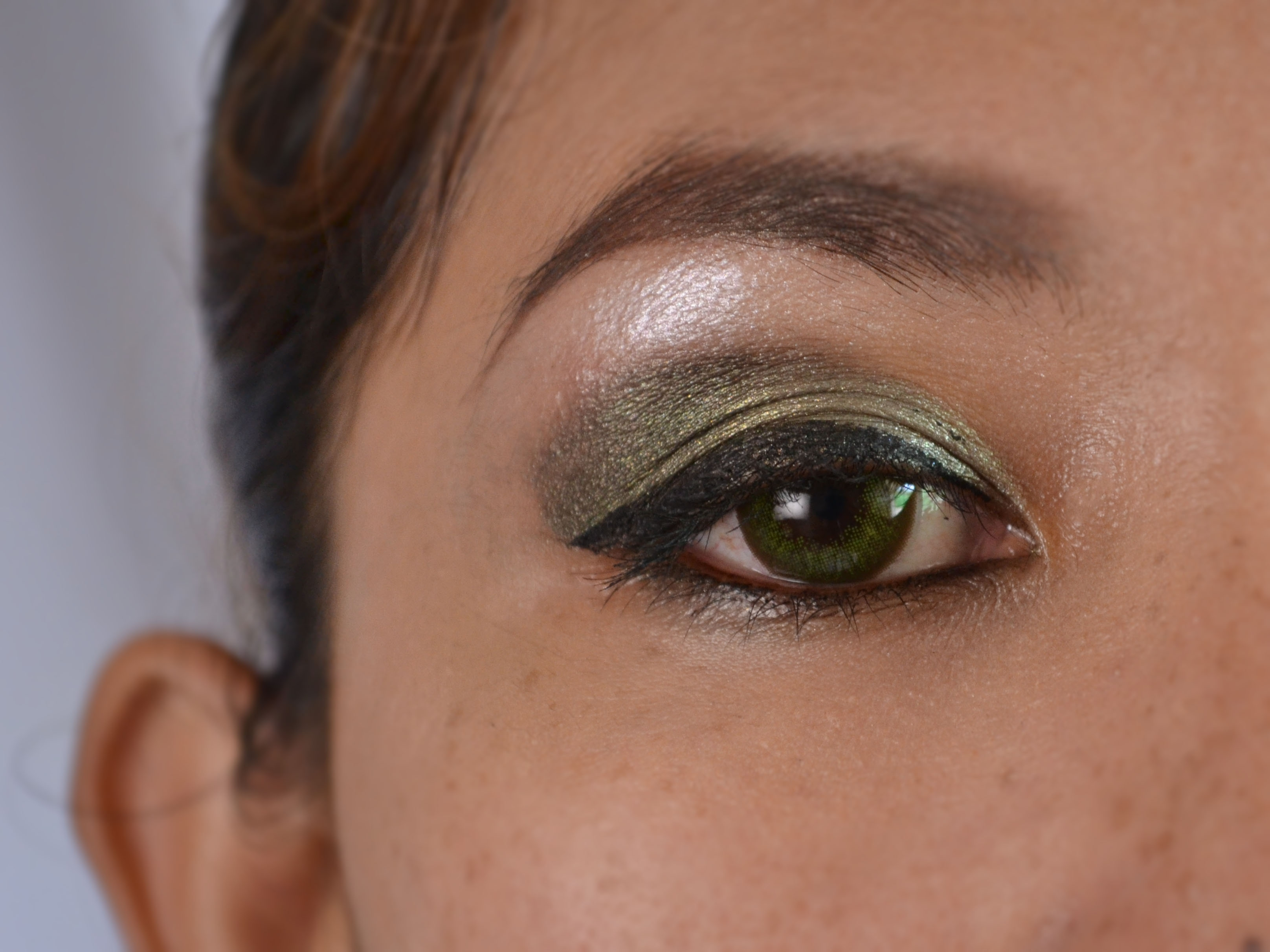 How To Do Green Eye Makeup For Dark Skin (With Pictures) - Wikihow regarding Best Color Eyeshadow For Dark Green Eyes