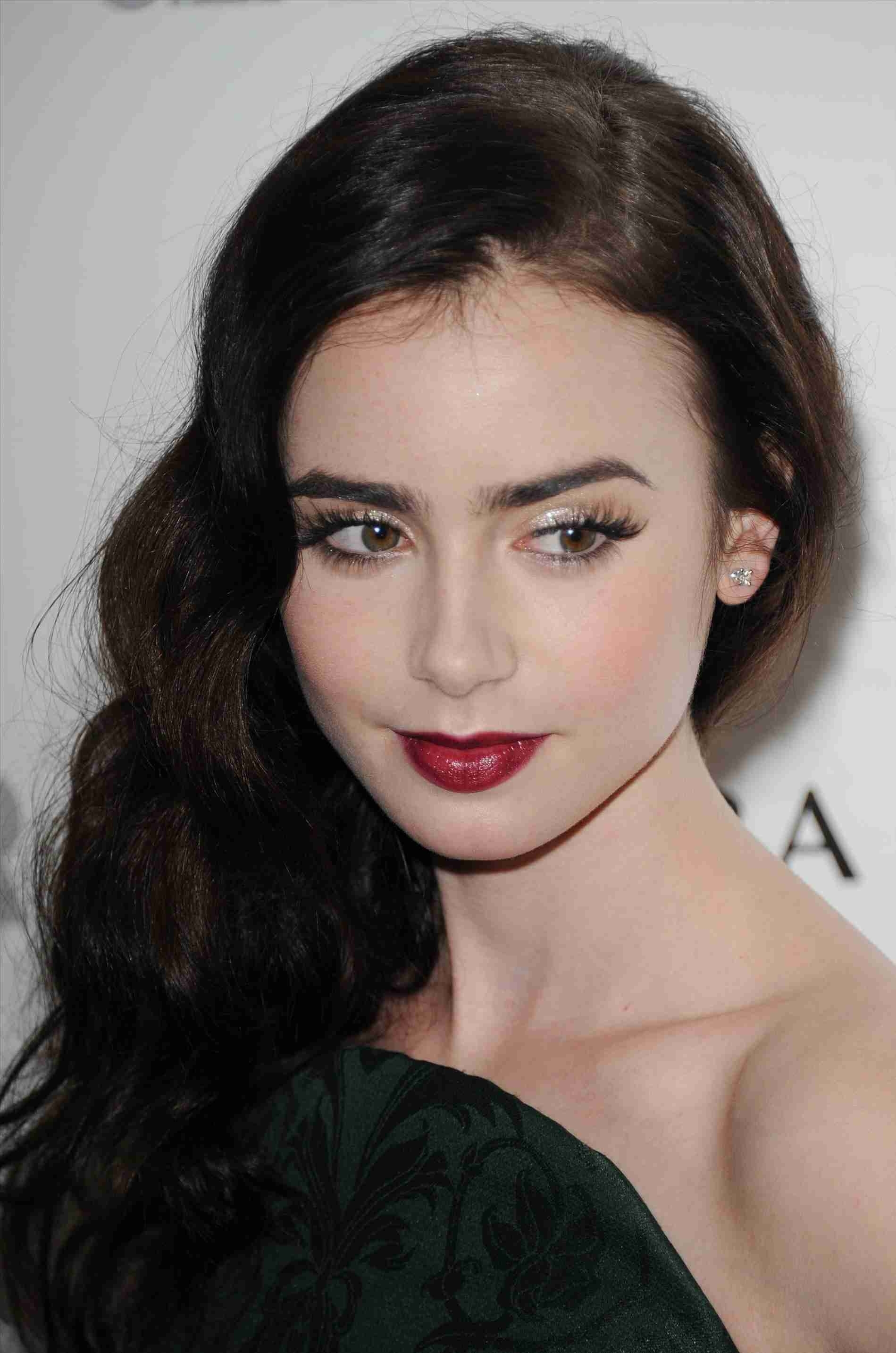 Makeup For Pale Skin And Dark Hair People With Green Eyes Winter for Makeup For Pale