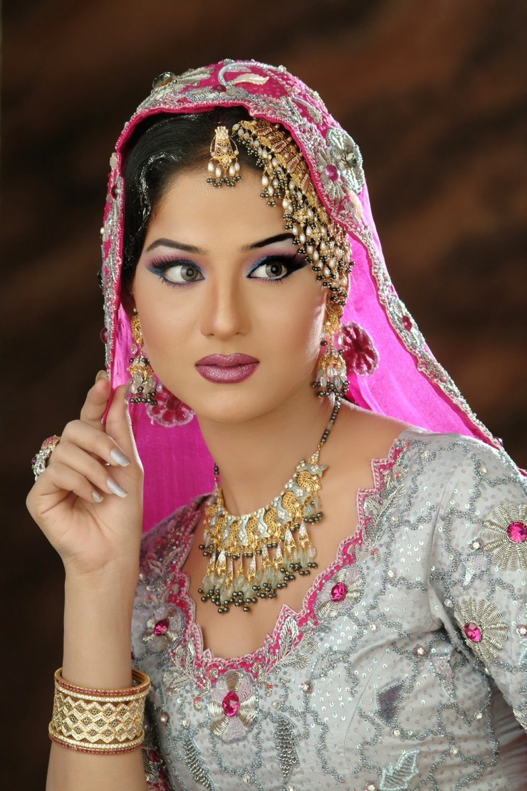 Pakistani And Indian Bridal Makeup For New Year From 2013 & 2014 inside Bridal Makeup Pics Pakistani 2013