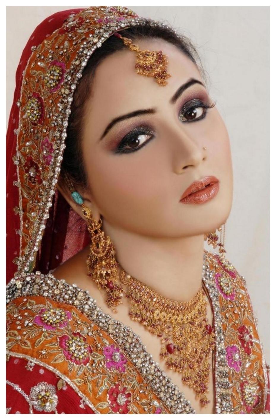 Top Bridal Makeup Ideas In Pakistan 2018 inside Pakistani Bridal Makeup Pictures 2013