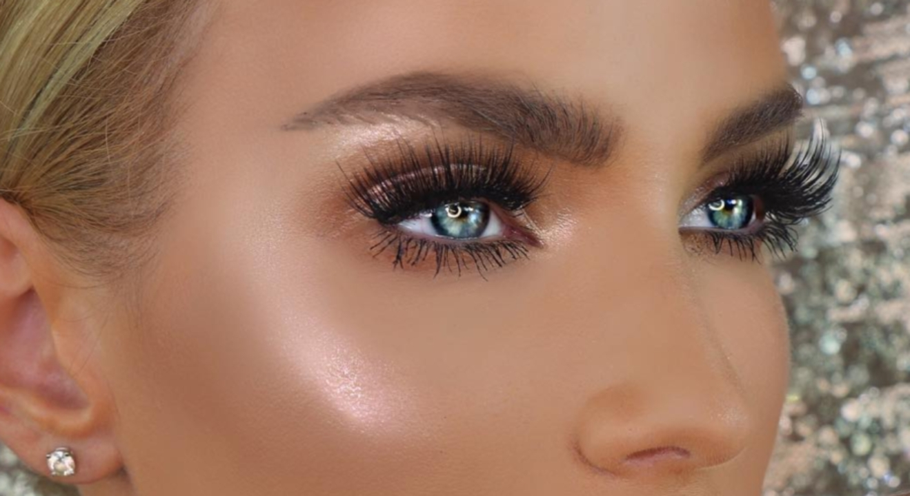 Makeup For Blue Eyes: 5 Eyeshadow Colors To Make Baby Blues Pop with Eyeshadow Colors For Blue Eyes And Brown Hair