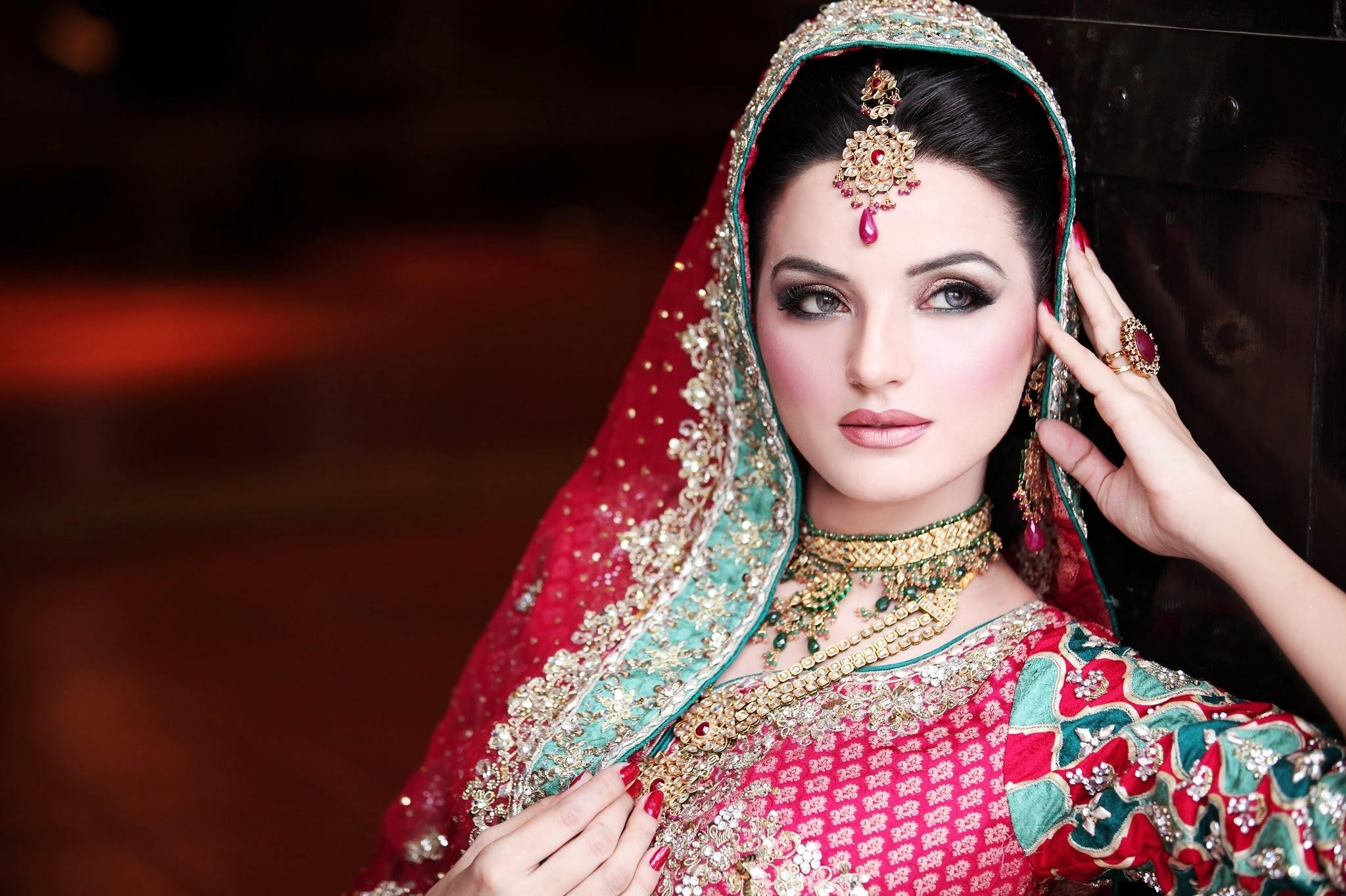 pakistani bridal makeup pics 2012 - wavy haircut