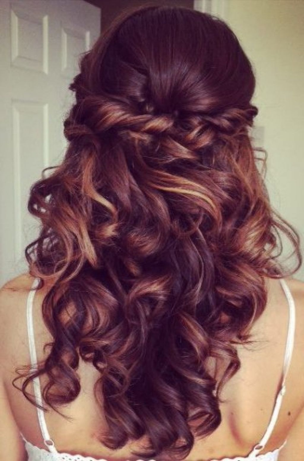 Curly Down Prom Hairstyles - Wavy Haircut