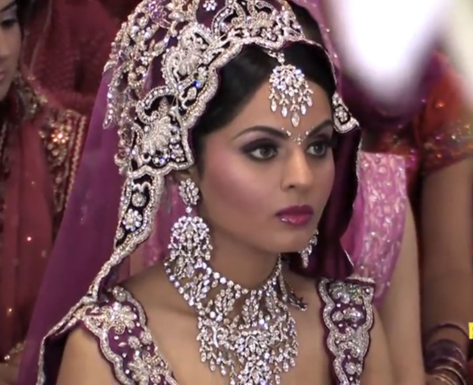 indian bridal makeup pictures 2012 - wavy haircut