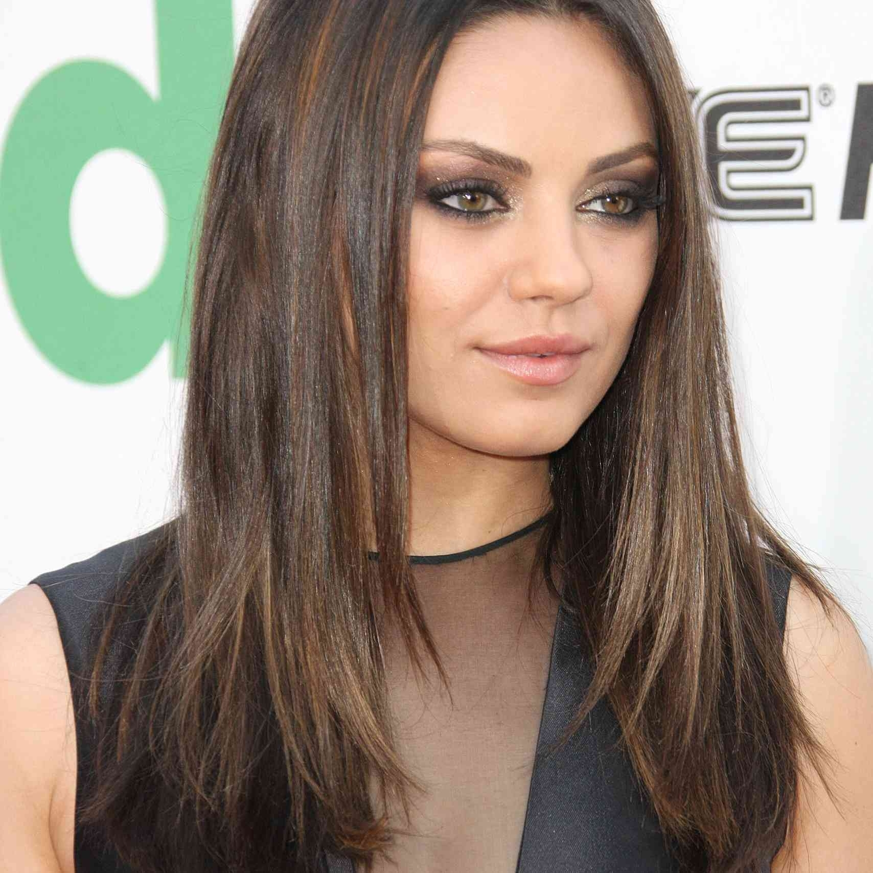 13 Flattering Hairstyles For Round Faces regarding Asian Shoulder Length Hairstyles For Round Faces