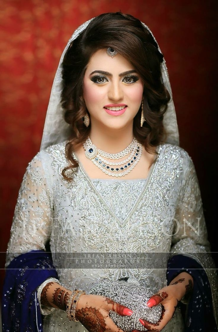 Best Pakistani Bridal Hairstyles 2019 For Wedding - Styleglow for Asian Bridal Hairstyles 2018