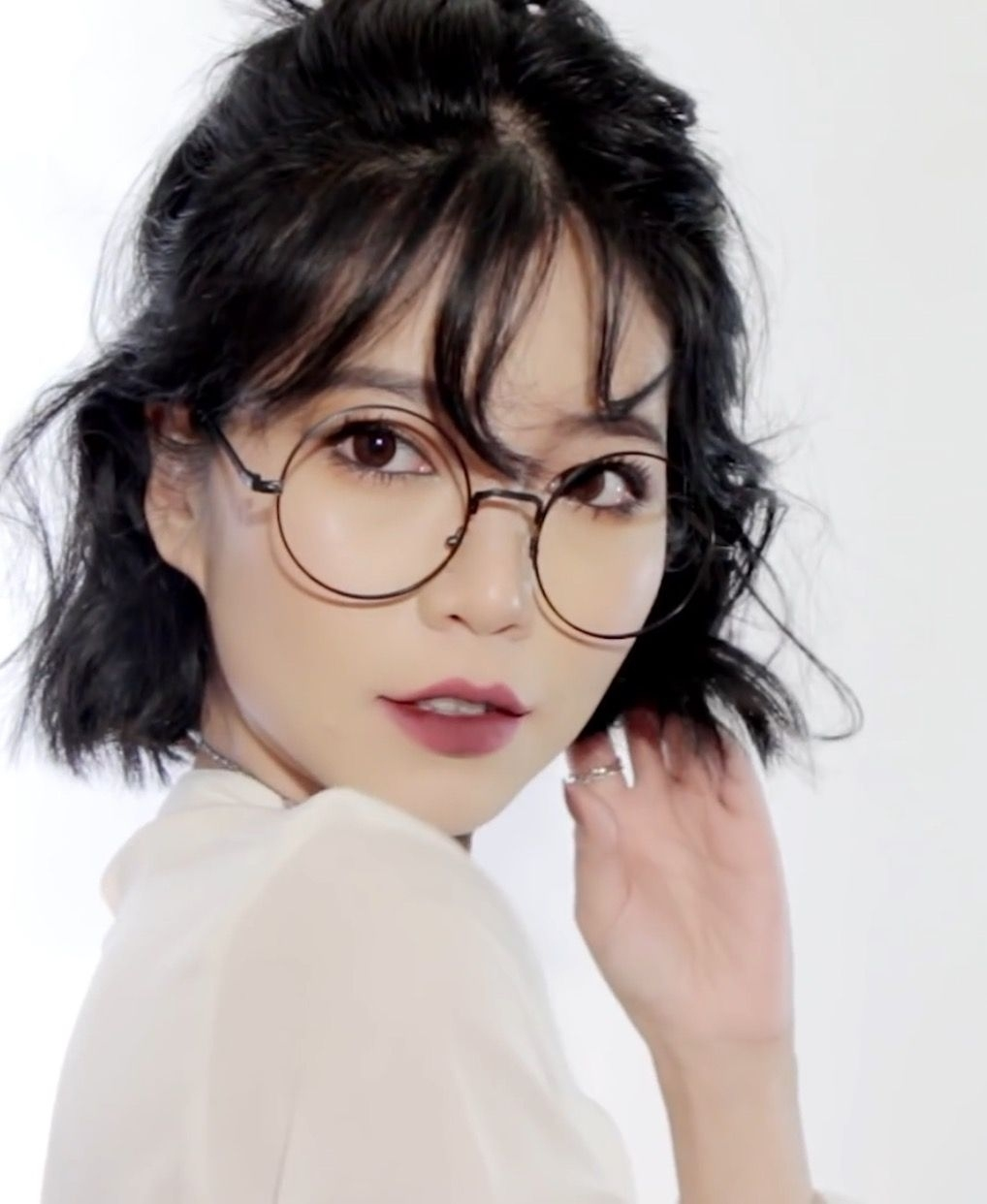 Sichenmakeupholic | Hair In 2019 | Korean Short Hair, Medium Hair in Asian Hairstyle With Glasses