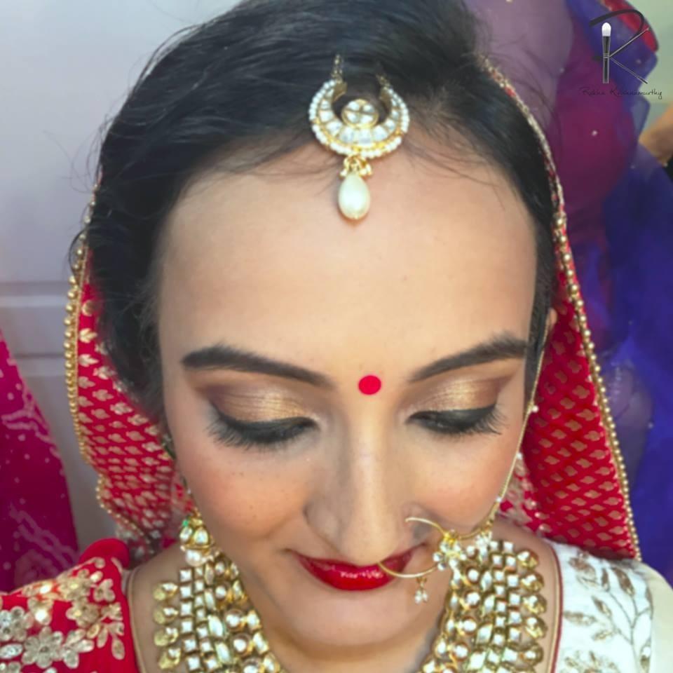 Bangalore's Mua Artist Rekha Krishnamurthy Reveals Makeup throughout Indian Bridal Hairstyles For Big Forehead