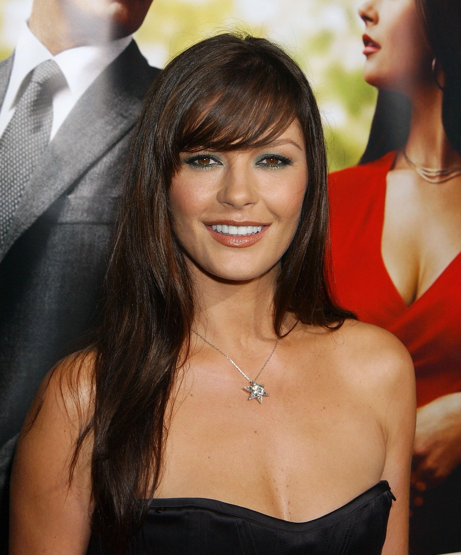 Catherine Zeta-Jones stuns fans with super short hair