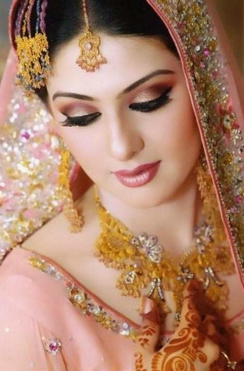 Dulhan Makeup Ideas 2014 For Girls Hd Wallpapers Free inside Pakistani Bridal Makeup Pics 2013