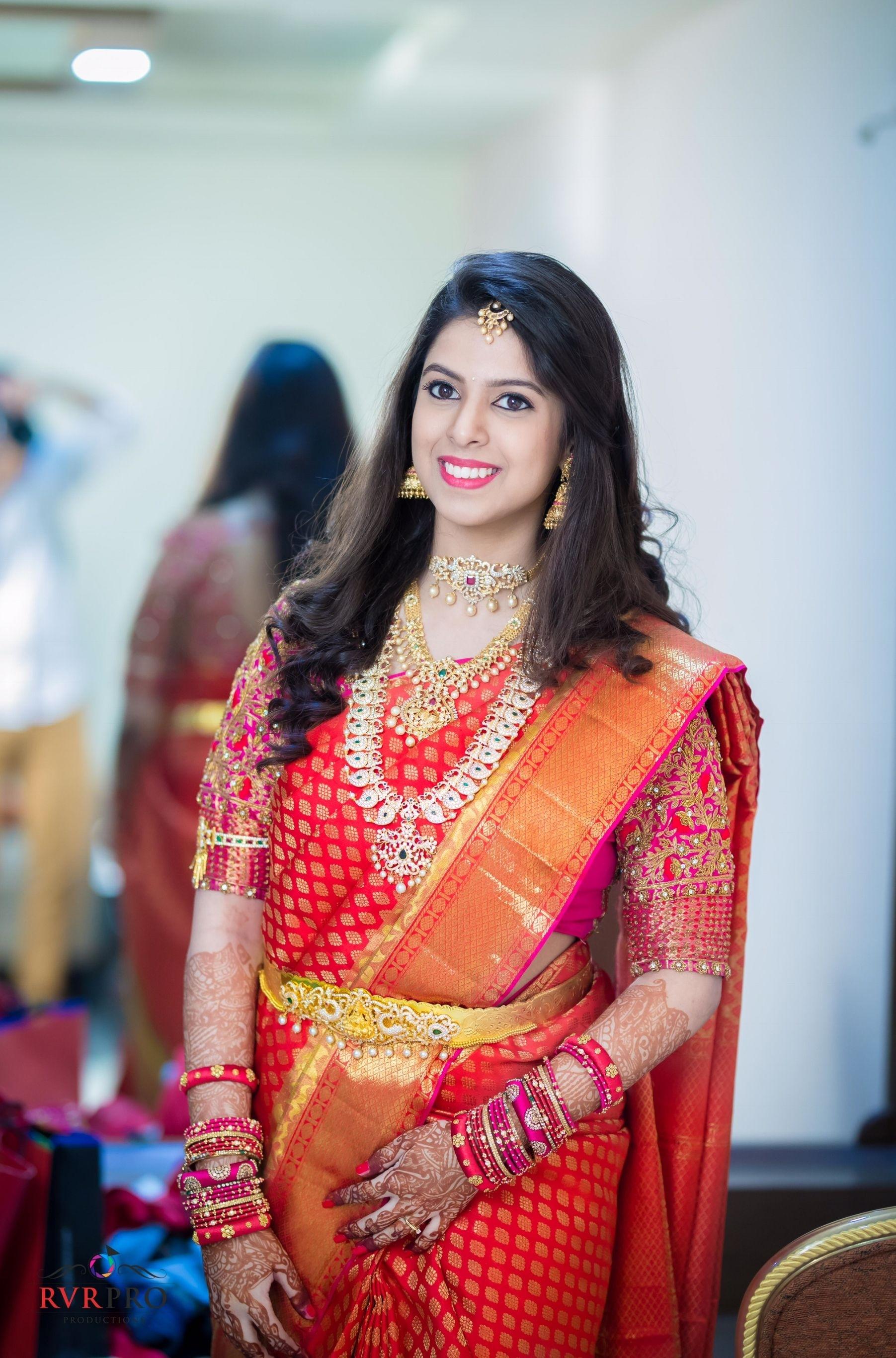 Indian Bridal Hairstyles For Saree - Wavy Haircut