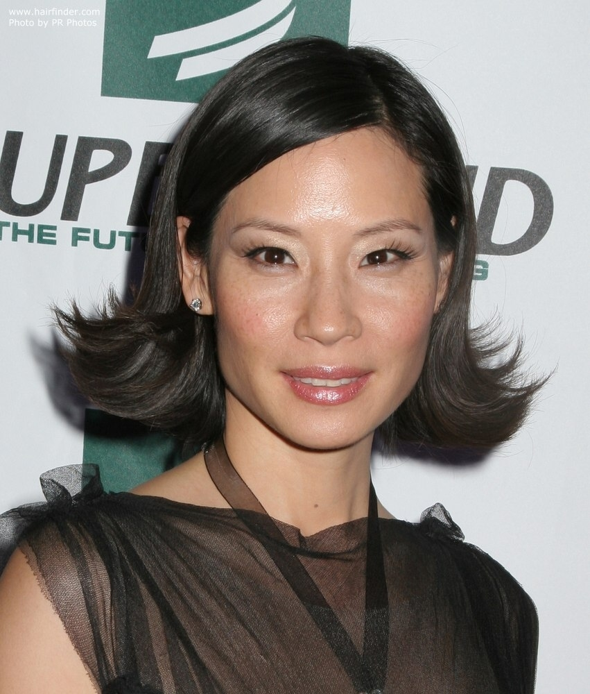 Lucy Liu Short Hair | Highlights Hair in Flipped Out Short Hair