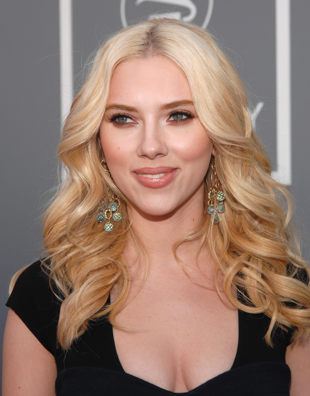 Scarlett Johansson Best Hair - Wavy Haircut