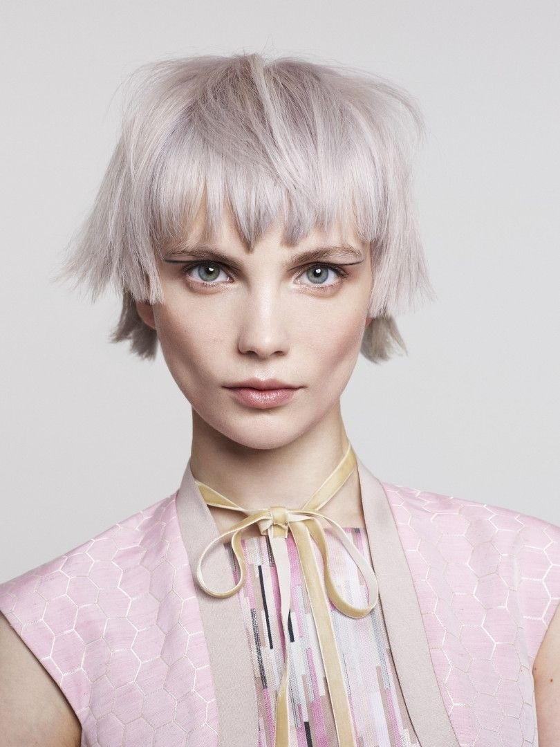 toni guy hairstyles argento capelli bob futurewise haircut nuance nuove ice finder bene sta blonde metalliche sfumature wavy lizzy direction