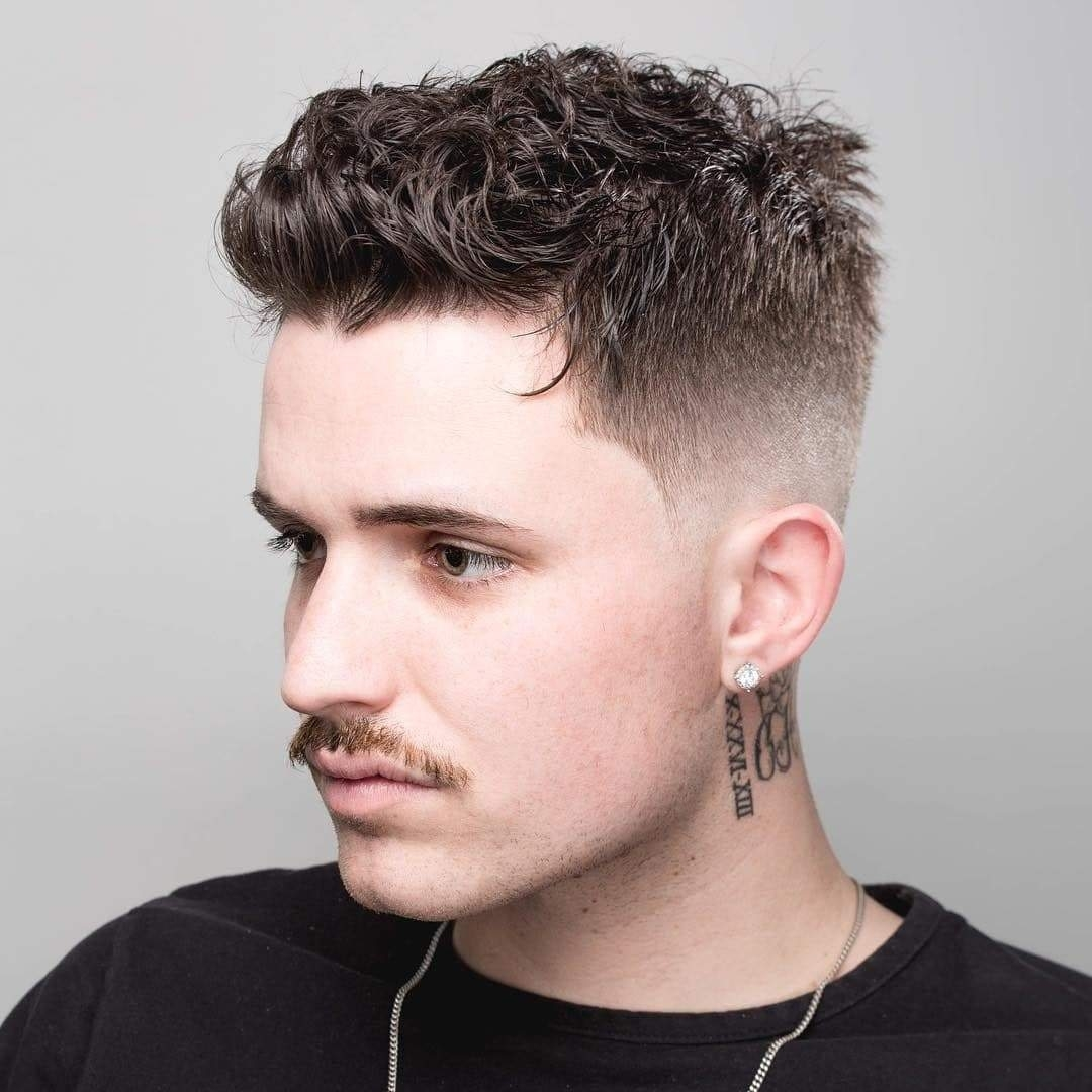 Best Short Haircuts For Men Over 60 - Wavy Haircut