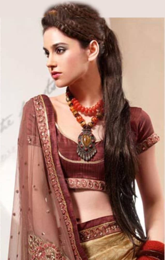 Hairstyle On Saree For Round Face - 20 Most Beautiful pertaining to South Indian Hairstyle For Round Face