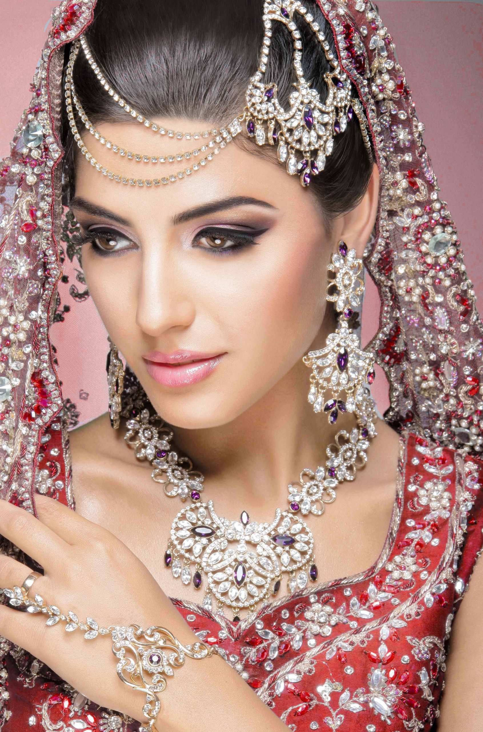Jasika Beauty Clinic | Beauty Parlor , Hair Salon And in Indian Hair And Makeup Leicester